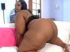 Black bitch seduces chocolate guy black fat xxx